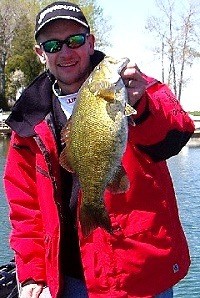 Green Bay and Sturgeon Bay Wisconsin smallmouth bass fishing guide service in Door County Wisconsin